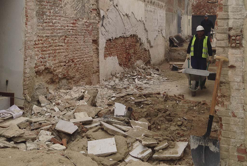 Demolición parcial de edificación anexa