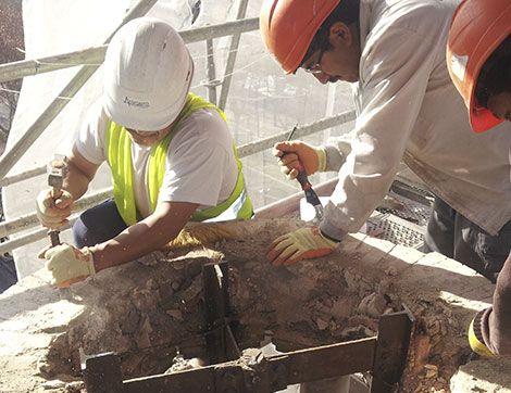 equipo profesional de restauración del patrimonio - Acerouno